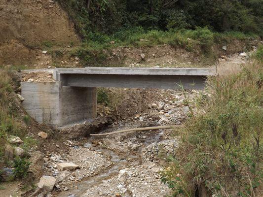 Puente sobre la quebrada Mucepyú, municipio de Páez