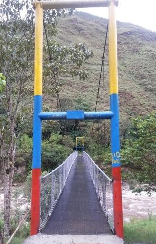 Puente peatonal y caballar de Salvajino, municipio de Páez 2015
