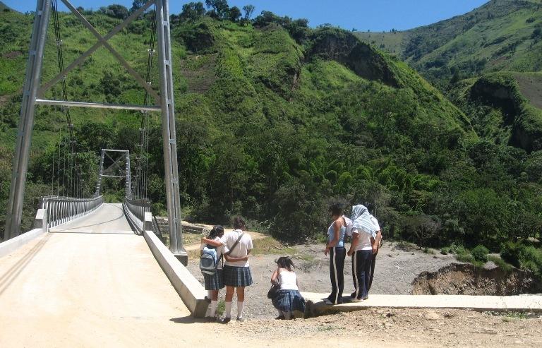 Puente de Cohetando