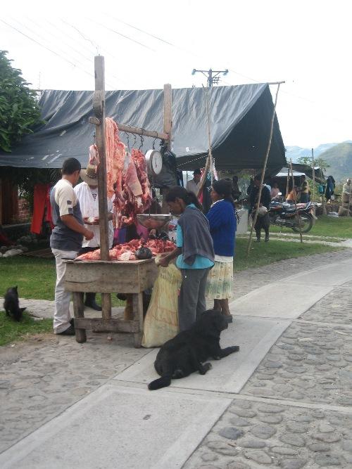 Día de mercado en San Andrés de Pisimbalá