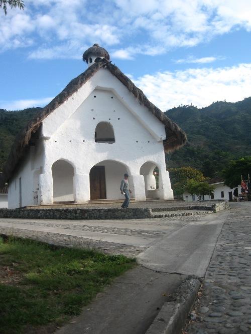 Iglesia de San Andrés de Pisimbalá