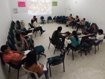 Reunión sobre uso cultural de la vivienda