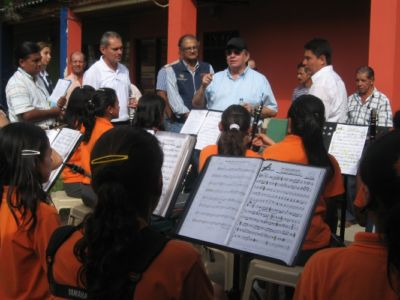 Mininterior escuchar a la banda infantil de Páez