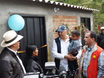 Entrega de viviendas a afectados de Ola inveranal en Totoró