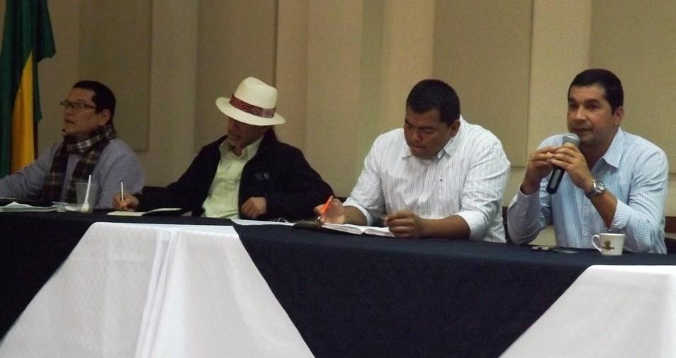 Alcaldes y Secretarios de Planeación de los municipios de Cauca y Huila