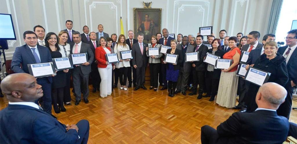 Premio nacional de Alta Gerencia 2016 Mención de honor a la Corporación Nasa Kiwe