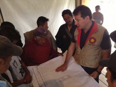 Las comunidades contarán con la asesoría y con los recursos necesarios hasta alcanzar su reasentamiento definitivo.